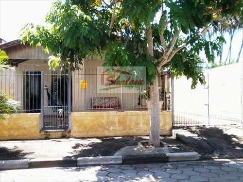 Casa, código 21 em Caraguatatuba, bairro Caputera