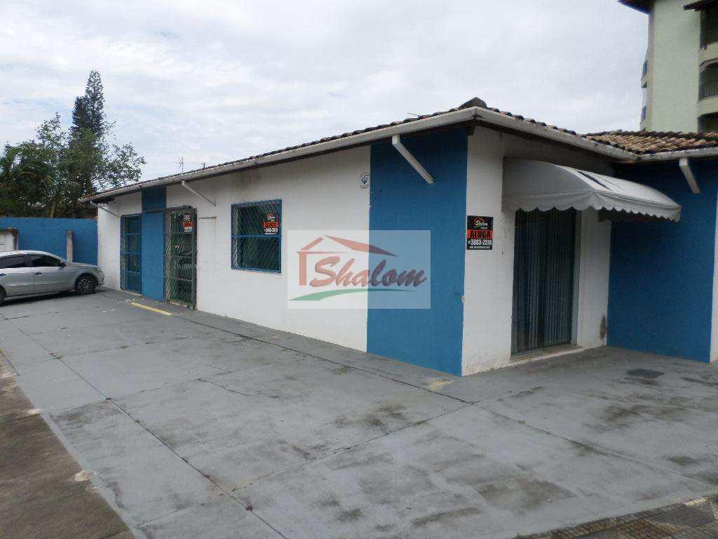 Sala Comercial em Caraguatatuba, no bairro Sumaré