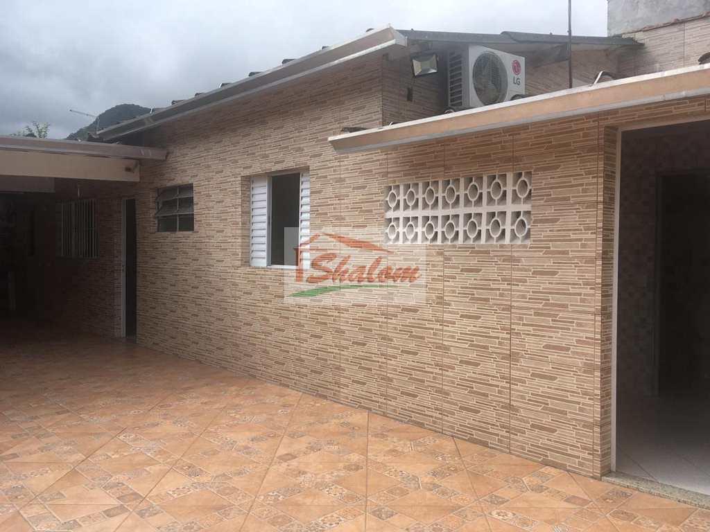 Casa em Caraguatatuba, no bairro Jardim Casa Branca