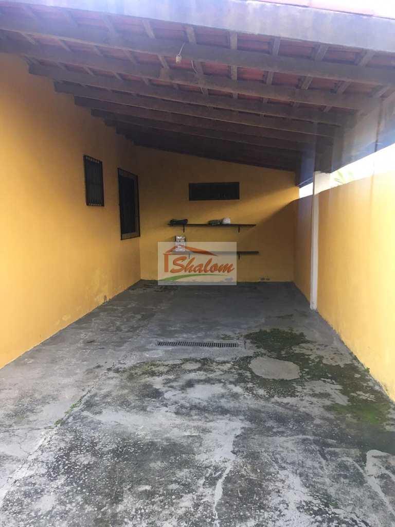 Casa em Caraguatatuba, no bairro Jardim Brasil