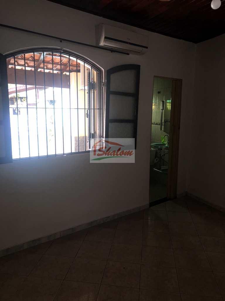 Casa em Caraguatatuba, no bairro Ipiranga