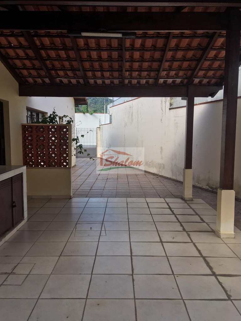 Casa em Caraguatatuba, no bairro Centro