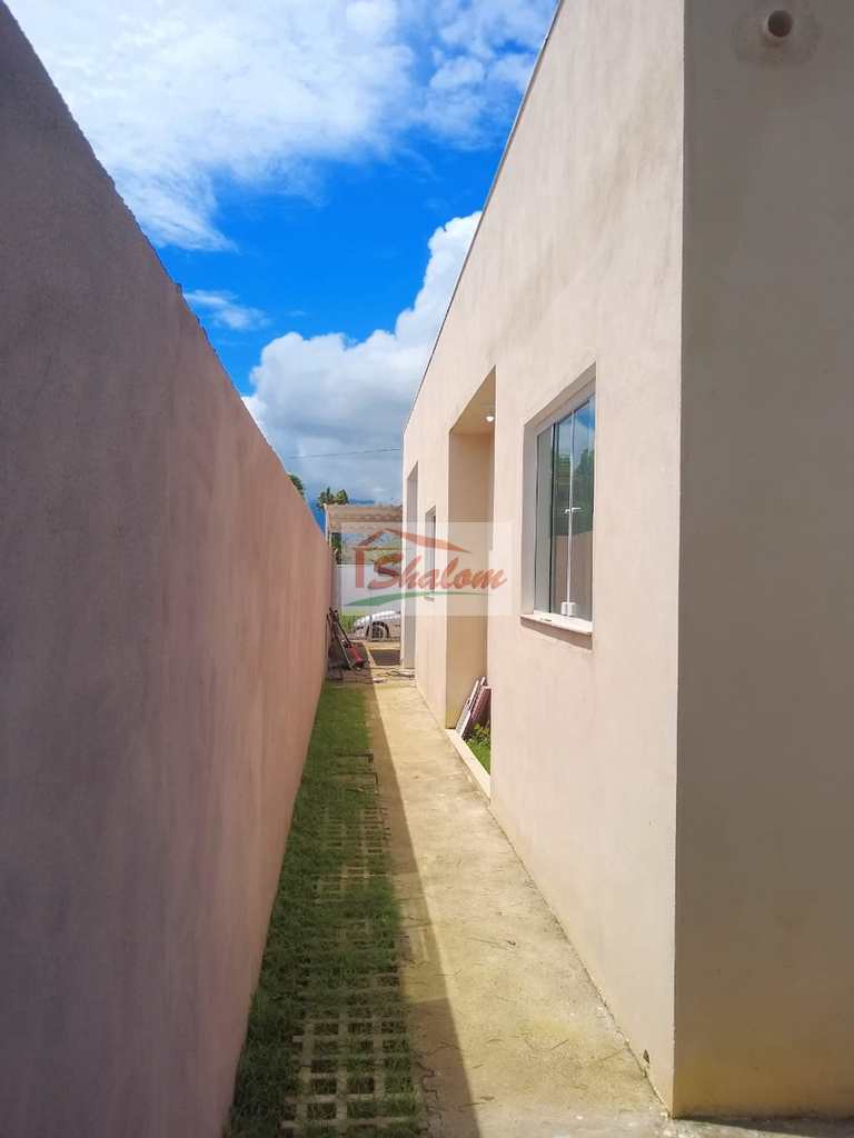 Casa em Caraguatatuba, no bairro Balneário dos Golfinhos