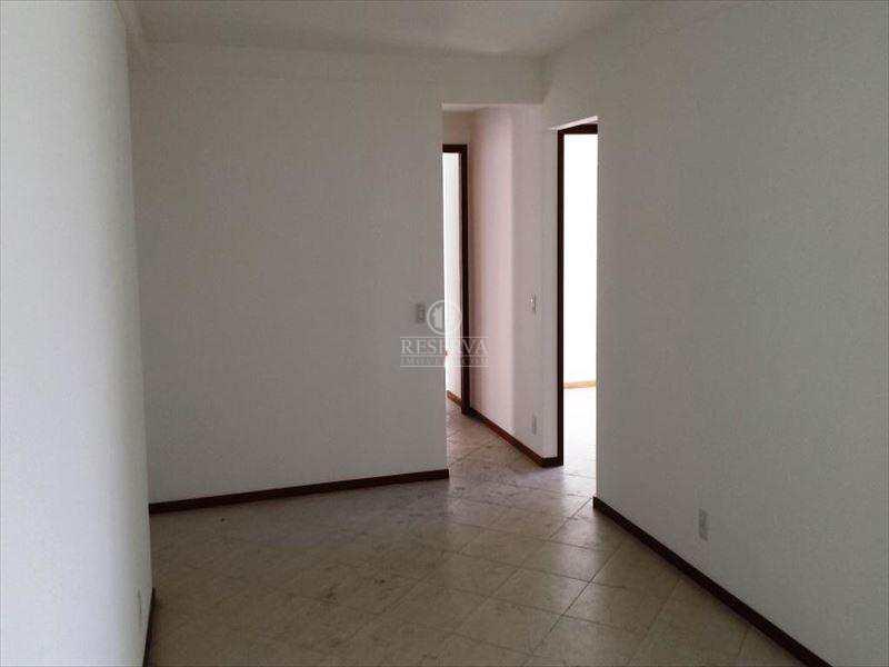 Apartamento em Vitória, bairro Enseada do Suá