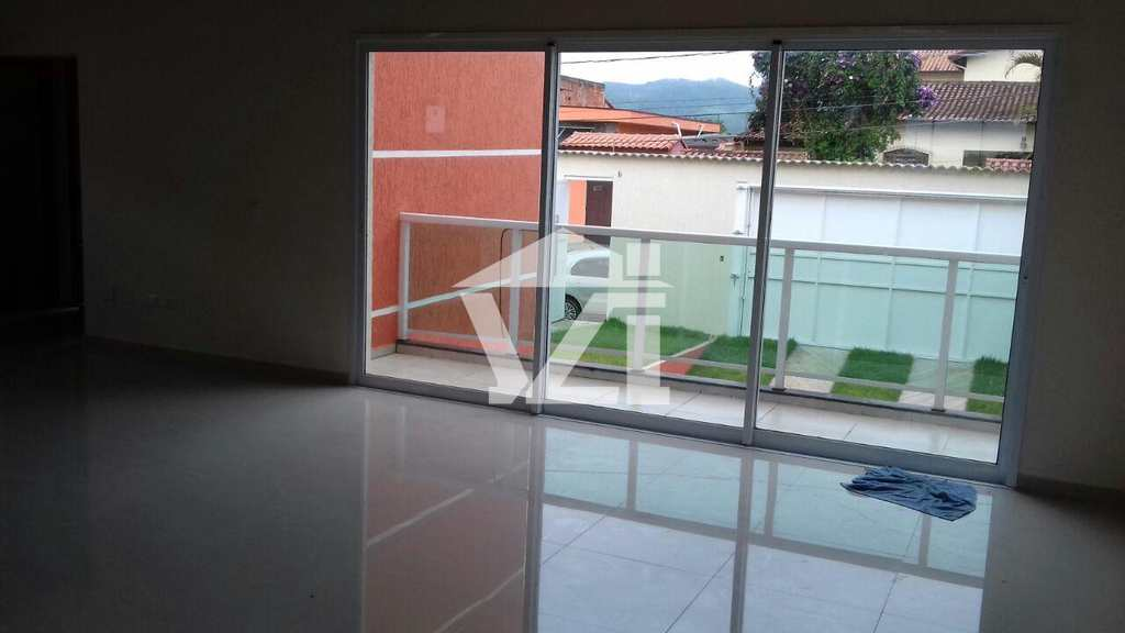 Sobrado em Mogi das Cruzes, no bairro Vila Suissa