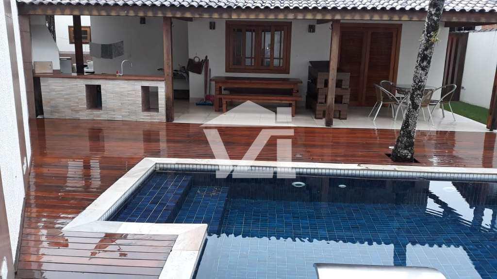 Casa em São Sebastião, no bairro Barra do Una