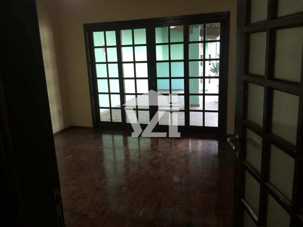 Sobrado em Mogi das Cruzes, no bairro Vila Oliveira
