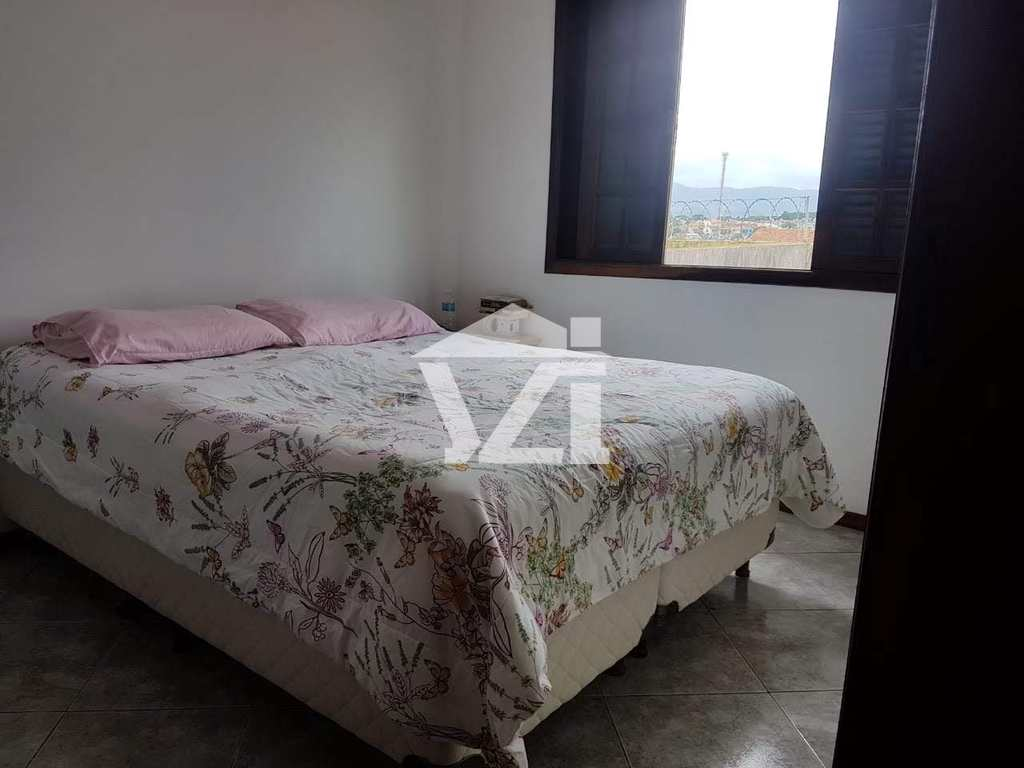 Casa de Condomínio em Mogi das Cruzes, no bairro Jardim Universo