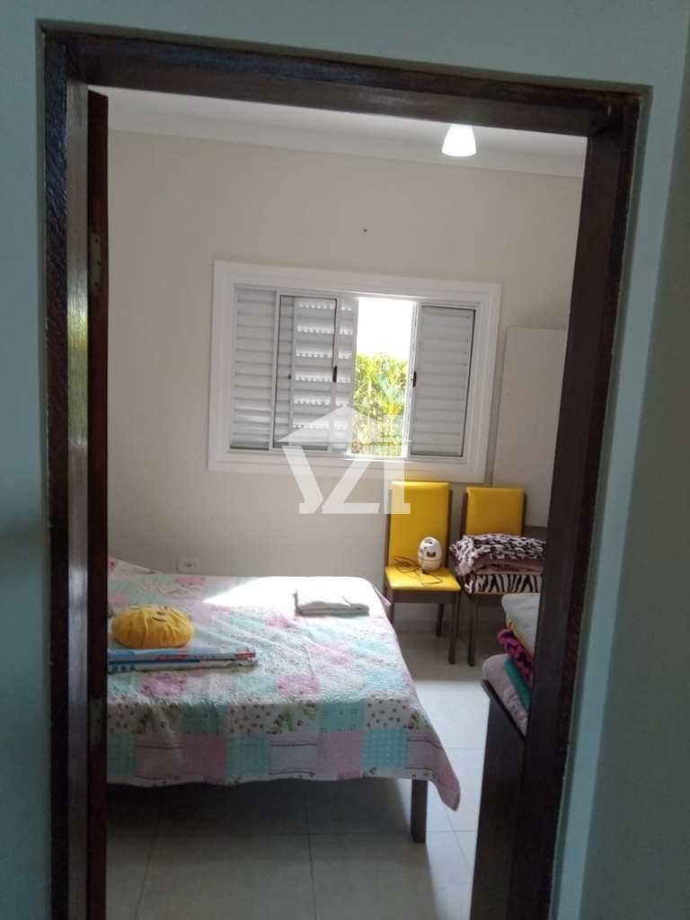 Casa em Bertioga, no bairro Guaratuba