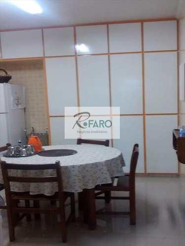 Apartamento, código 24 em Santos, bairro Macuco