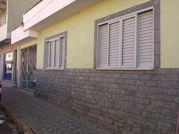 Casa, código 181 em Alfenas, bairro Centro