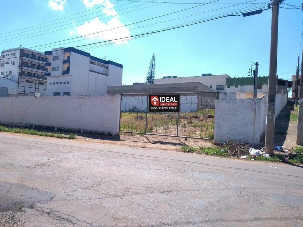 Terreno em Alfenas, no bairro Vila Teixeira