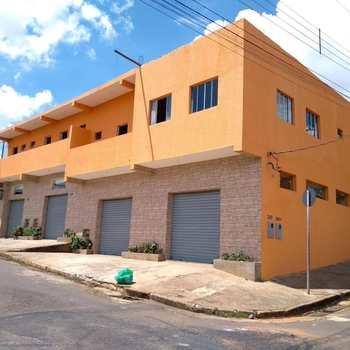 Kitnet em Alfenas, bairro Jardim Primavera