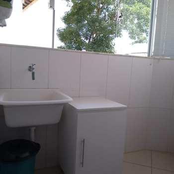 Casa de Condomínio em Alfenas, bairro Jardim da Colina