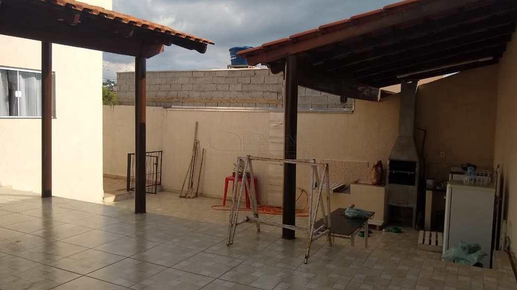 Casa em Alfenas, no bairro Residencial Oliveira