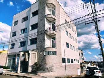 Apartamento, código 1332 em Alfenas, bairro Centro