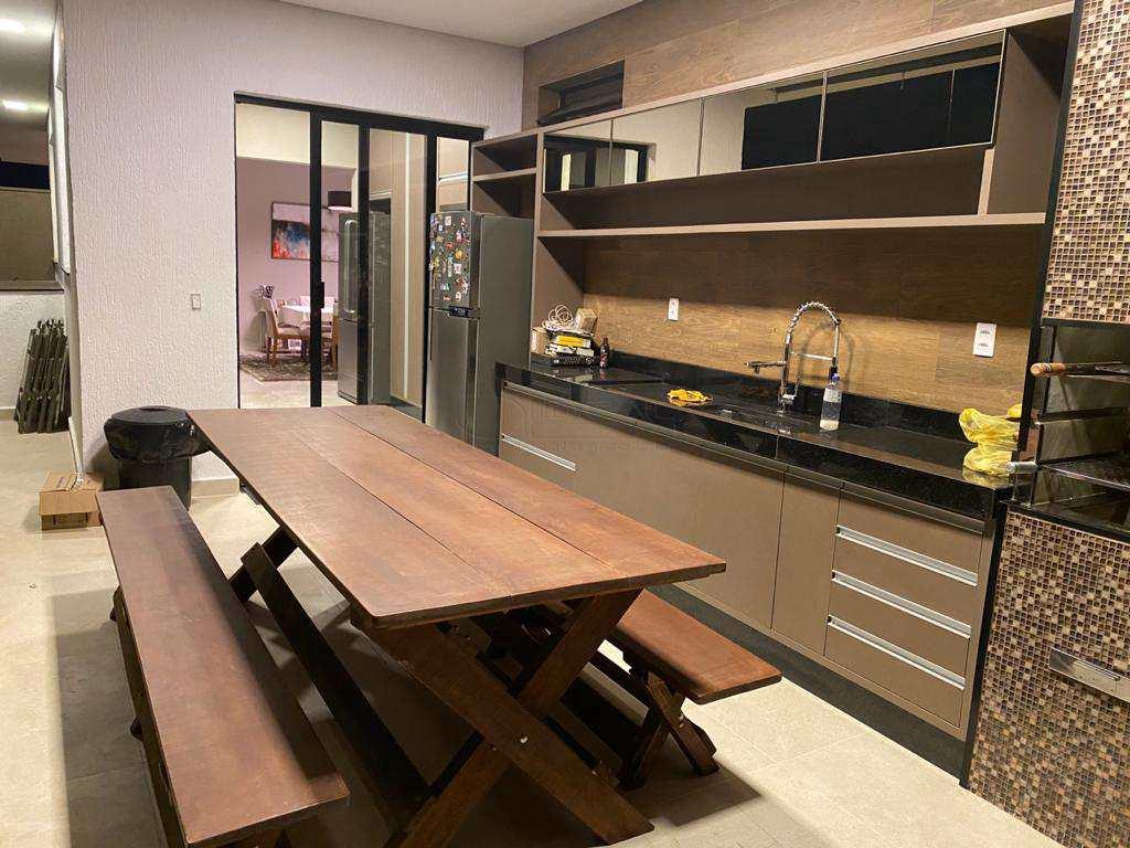 Casa de Condomínio em Alfenas, no bairro Residencial Mont Blanc
