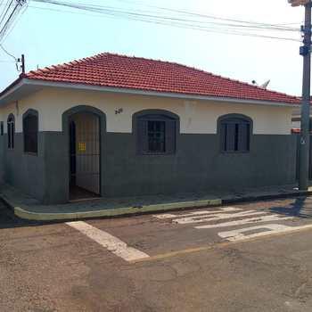 Casa em Alfenas, bairro Centro