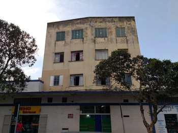 Apartamento, código 1649 em Alfenas, bairro Centro