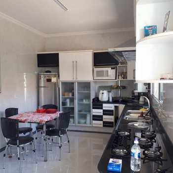 Casa em Alfenas, bairro Residencial Colinas Park