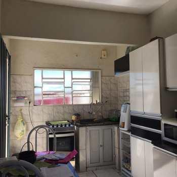 Casa em Alfenas, bairro Jardim América