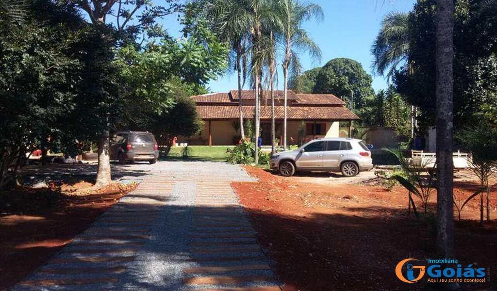 Casa em Caraíba, bairro Setor Central