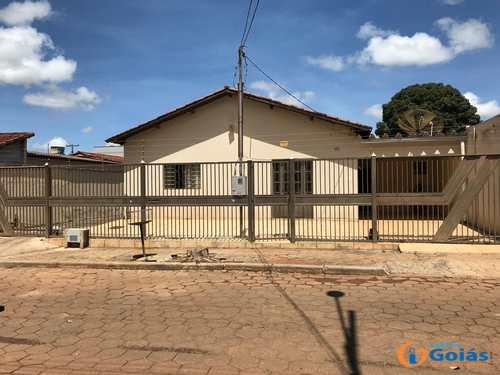 Casa, código 8906 em Vianópolis, bairro Setor Central