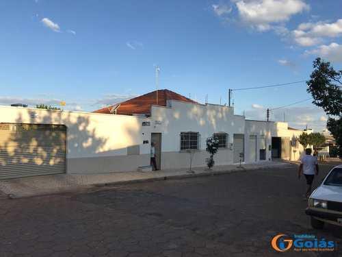 Casa, código 8925 em Vianópolis, bairro Setor Central