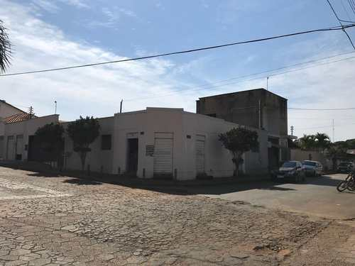 Casa, código 8939 em Vianópolis, bairro Setor Central