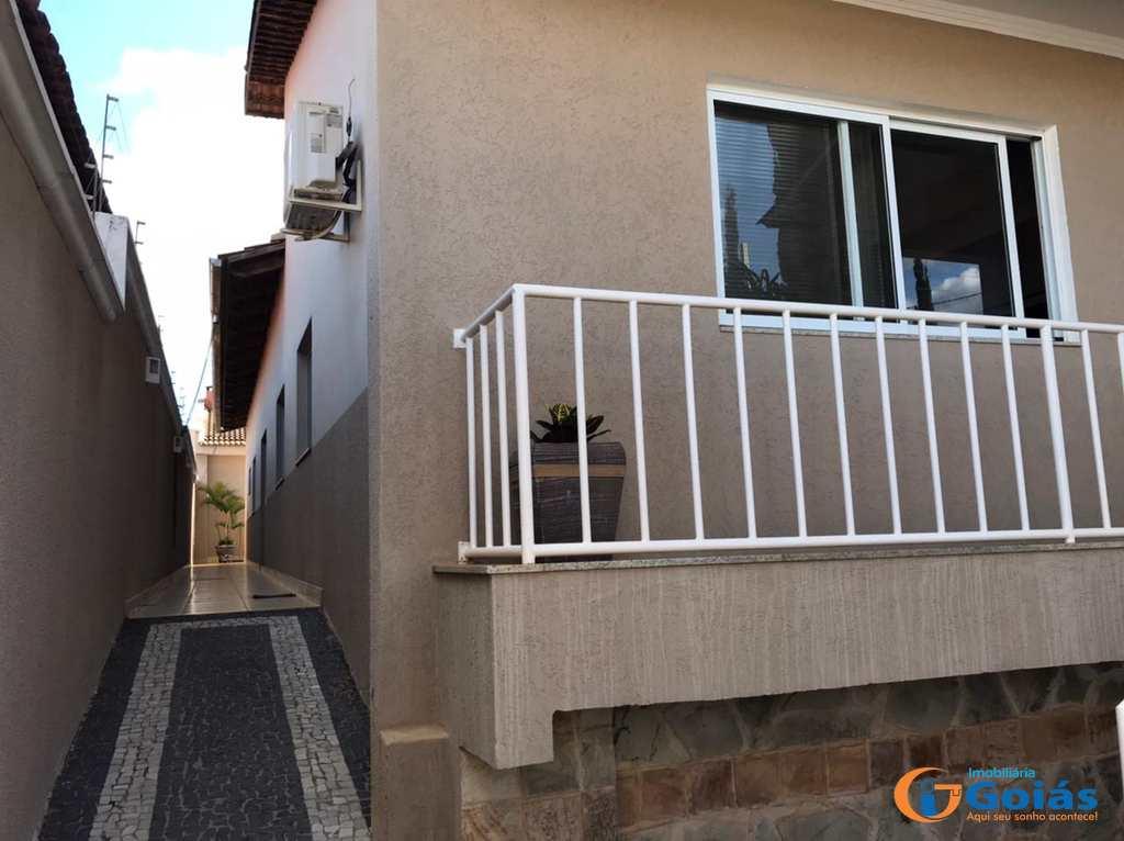 Casa em Vianópolis, no bairro Santo Agostinho
