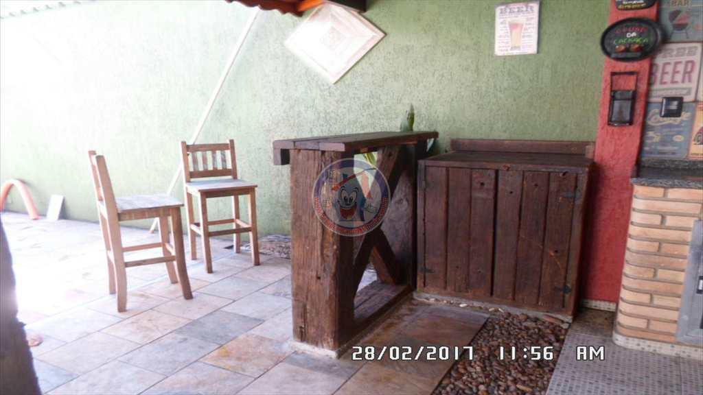 Casa em Mongaguá, no bairro Vila Anhanguera