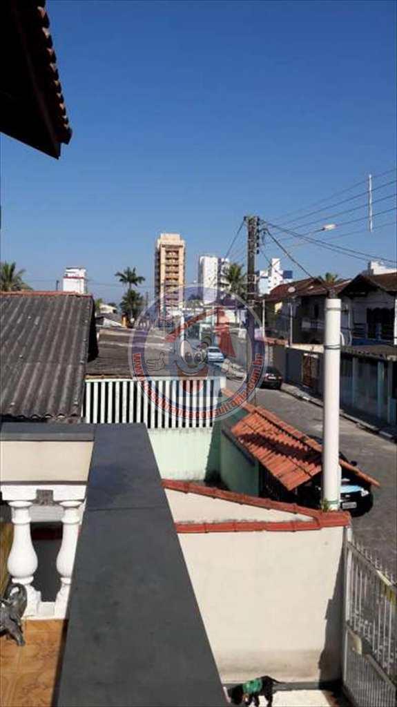 Sobrado em Mongaguá, no bairro Vila São Paulo