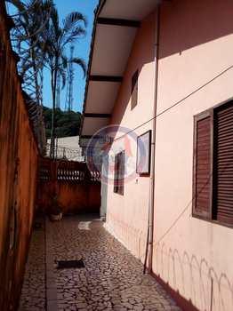 Casa, código 354011 em Mongaguá, bairro Jardim Aguapeu