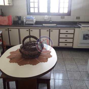 Sobrado em Itanhaém, bairro Belas Artes