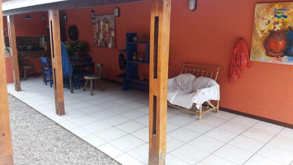 Casa em Ubatuba, bairro Perequê Açu