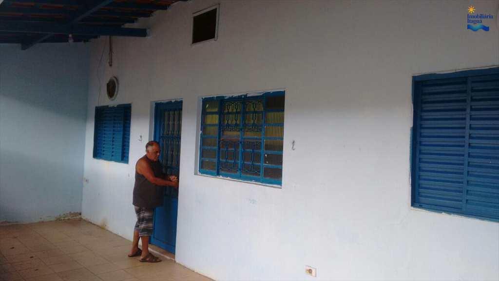Casa em Ubatuba, bairro Ipiranguinha