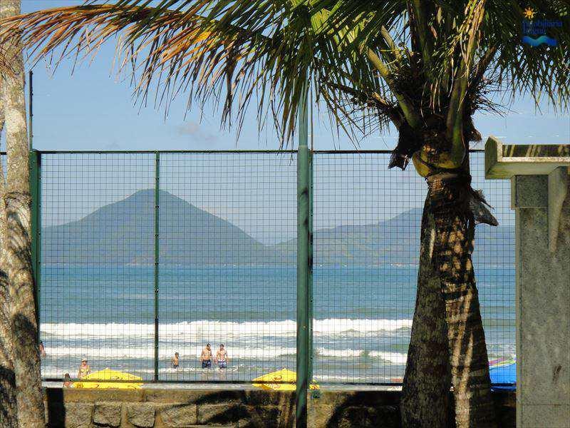 Sobrado em Ubatuba, bairro Praia Tenório