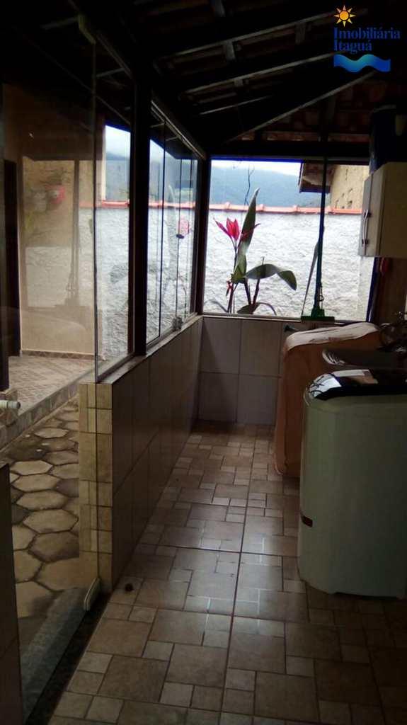 Casa em Ubatuba, no bairro Balneário Maranduba