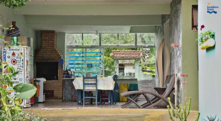 Casa Comercial em Ubatuba, no bairro Centro
