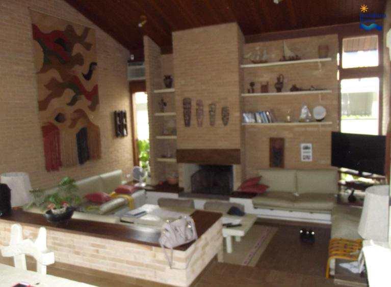 Casa de Condomínio em Ubatuba, bairro Praia Lázaro