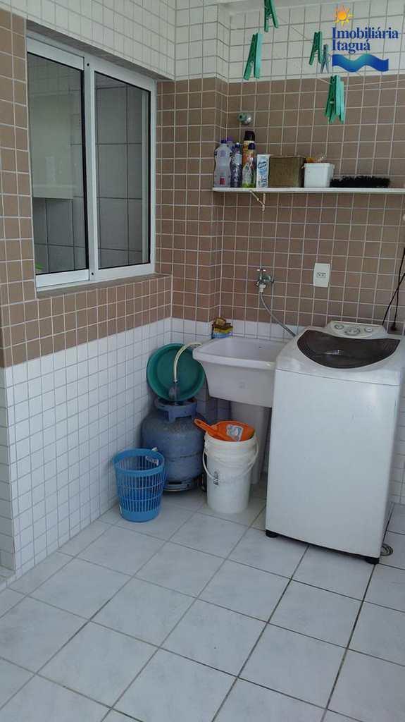 Cobertura em Ubatuba, bairro Itagua