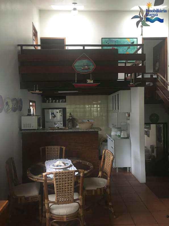 Casa em Ubatuba, bairro Saco da Ribeira
