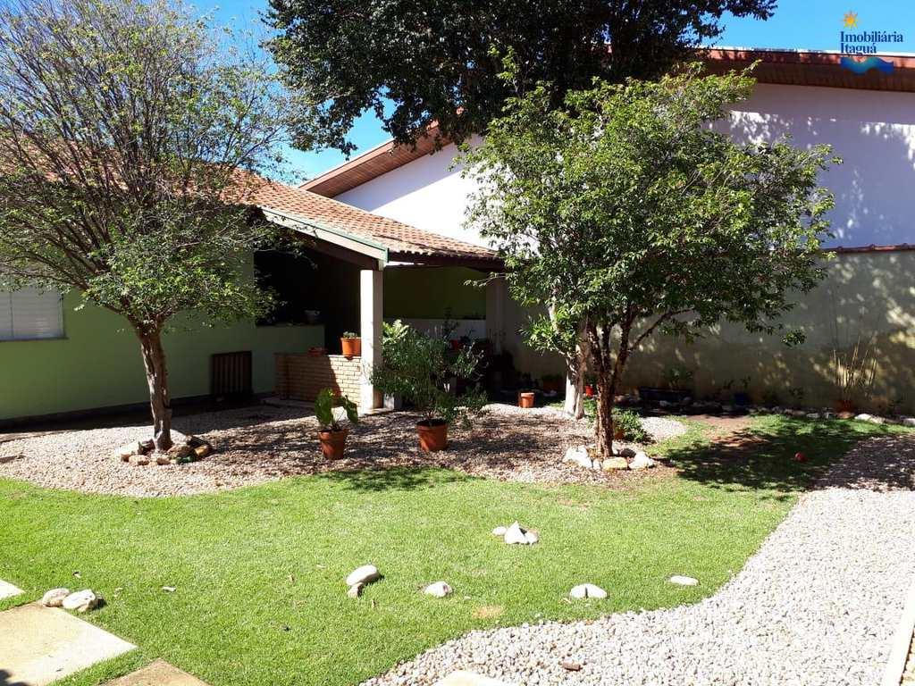 Casa em Taubaté, bairro Jardim das Nações