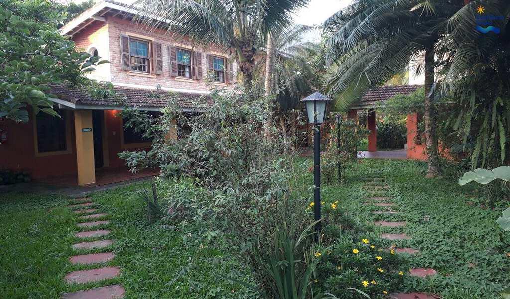 Casa em Ubatuba, bairro Praia do Lázaro