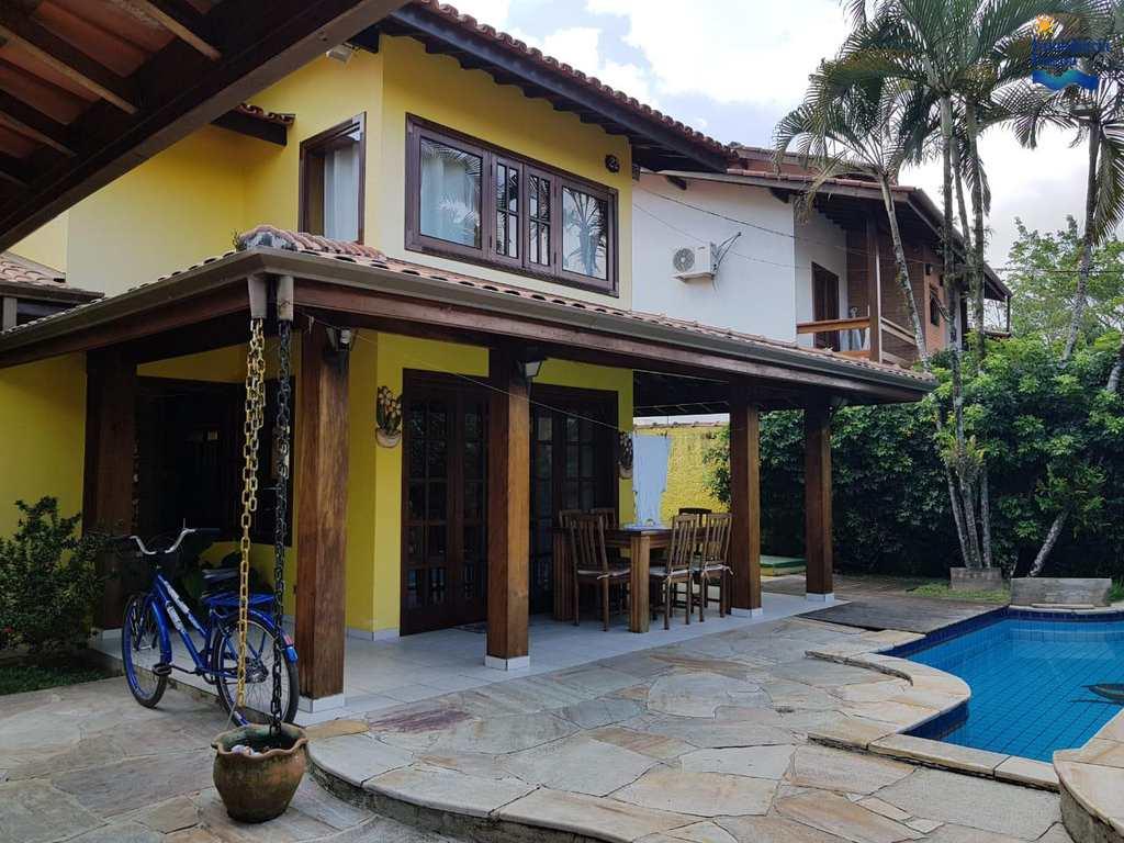 Casa em Ubatuba, bairro Parque Vivamar