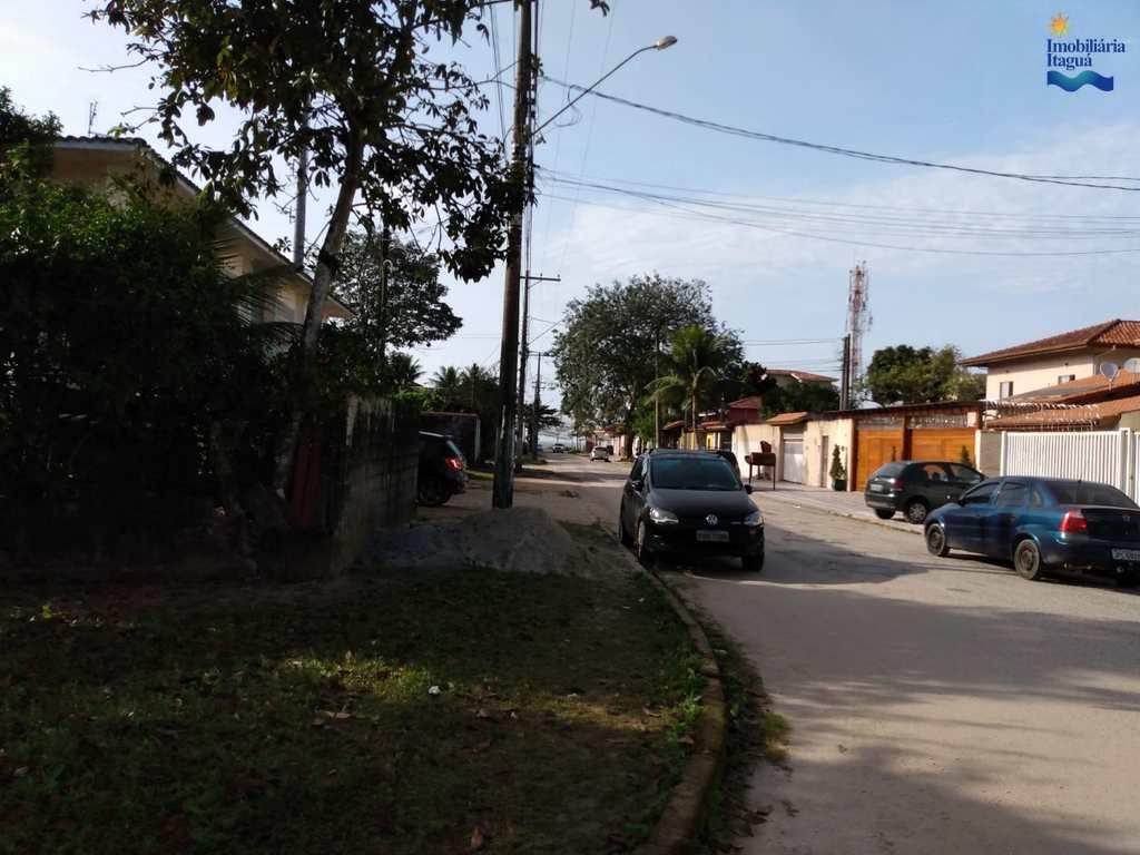 Área em Ubatuba, no bairro Perequê Açu