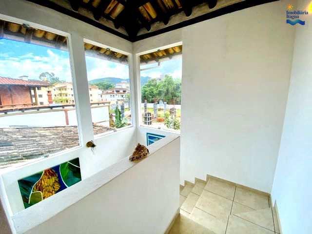 Casa em Ubatuba, no bairro Itagua