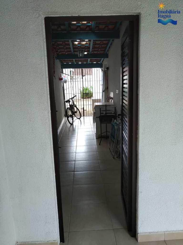 Casa em Ubatuba, no bairro Centro