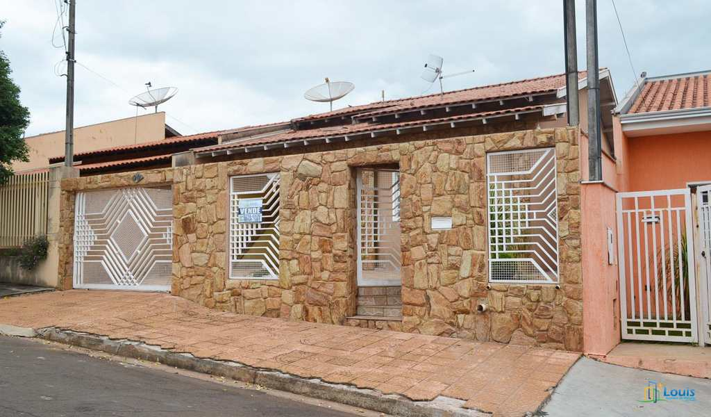 Casa em Ibiporã, bairro Monte Verde