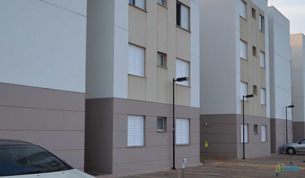 Apartamento em Londrina, bairro Conjunto Vivi Xavier